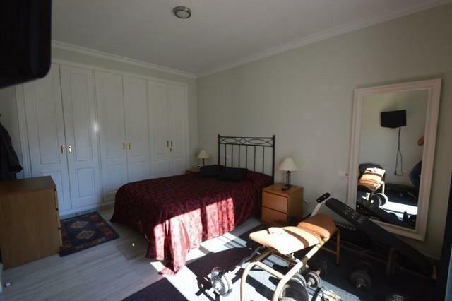 A2425607 - Bedroom 1