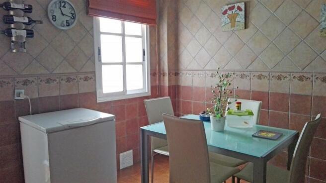 A2457206 - Kitchen c