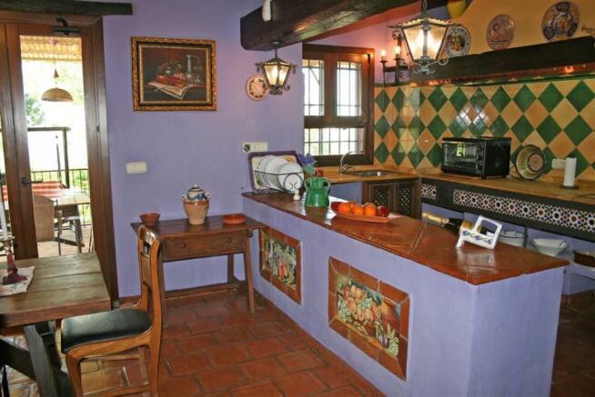 F2331404 - Kitchen 1
