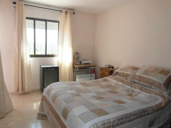 TH2422706 - Bedroom