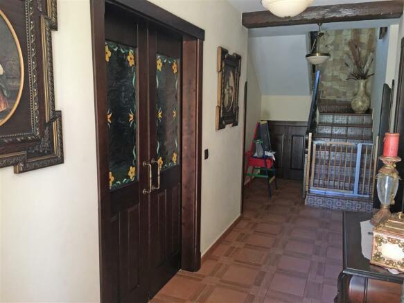 F2681243 - Entrance