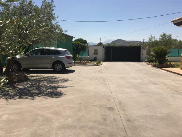 F2681243 - Parking