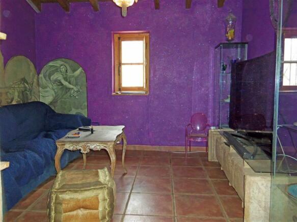 F2513012 - TV Room