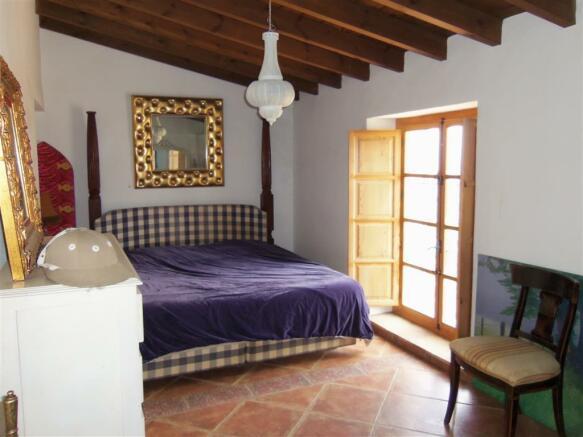 F2513012 - Bedroom 1