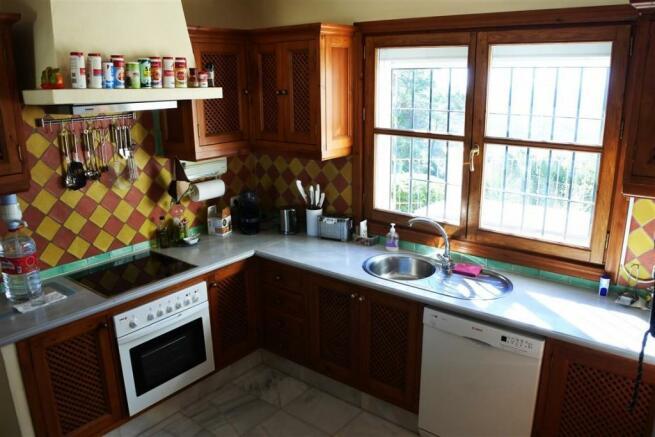 V2833892 - Kitchen