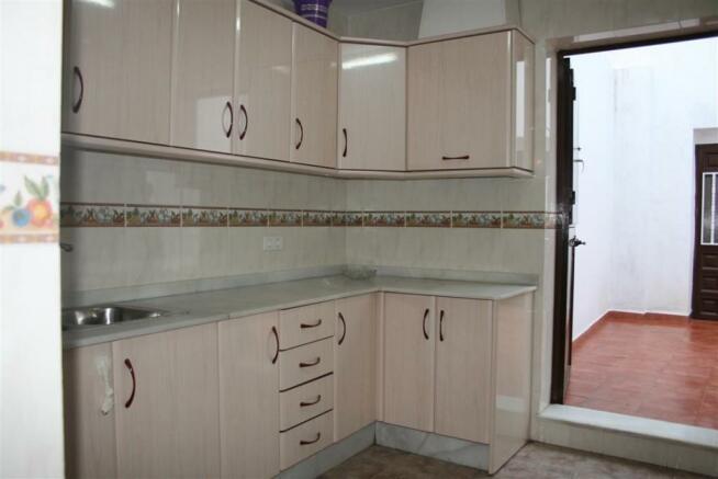 TH2815631 - Kitchen