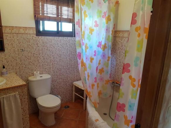 F2830403 - Bathroom
