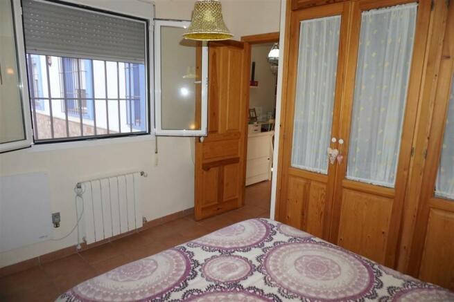F2803910 - Bedroom 3