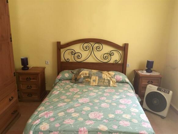 F2710187 - Bedroom 1