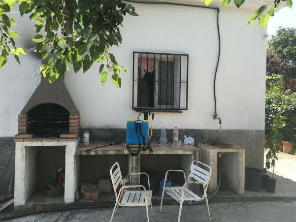 F2710187 - Barbecue