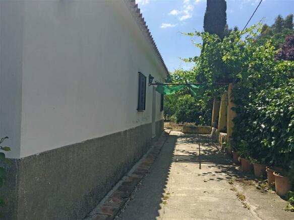 F2710187 - Exterior