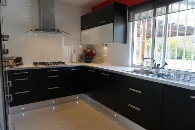 F2693921 - Kitchen