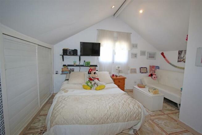 F2797625 - Bedroom 2