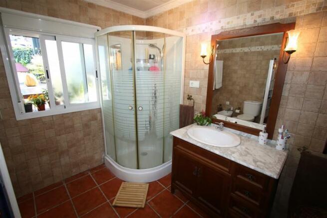 F2797625 - Bathroom