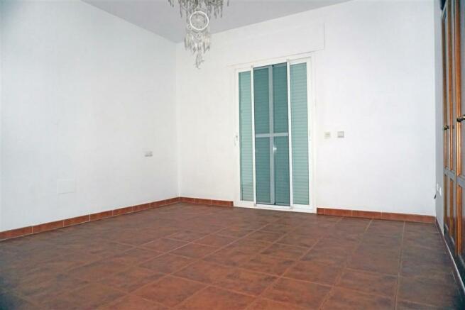 V2848910 - Bedroom 4