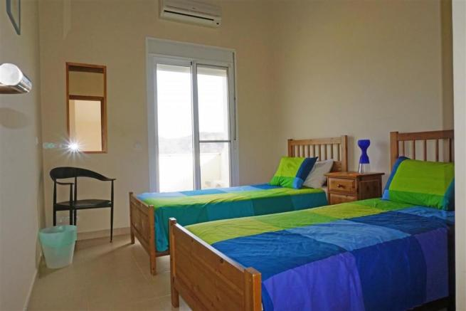 F2768462 - Bedroom 2