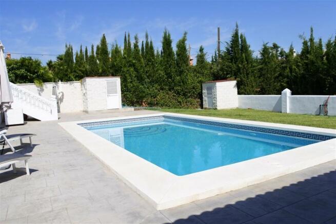 V2940701 - Pool