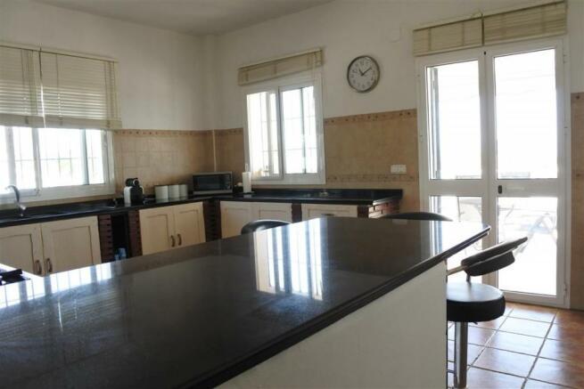 V2940701 - Kitchen