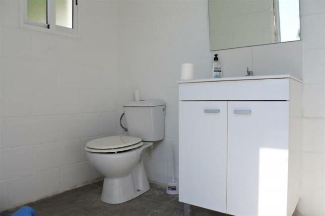 V2940701 - WC