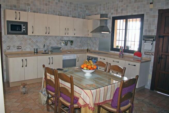 V2903240 - Kitchen
