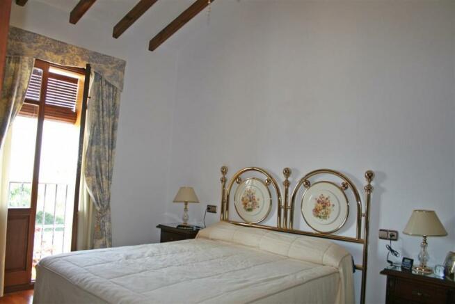 V2903240 - Bedroom 3