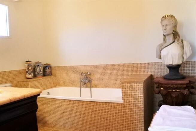 F3014231 - Bathroom