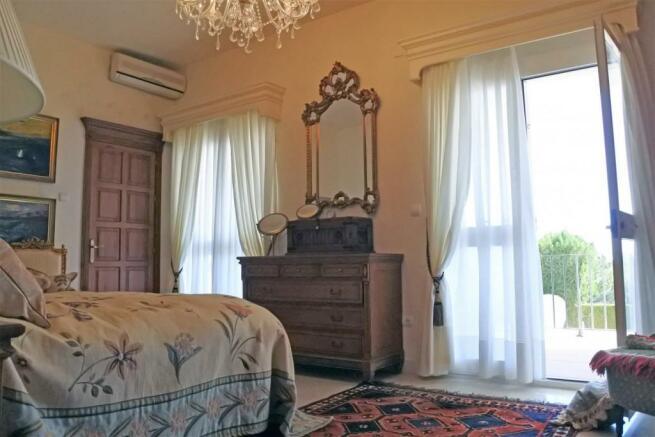 F3014231 - Bedroom 2