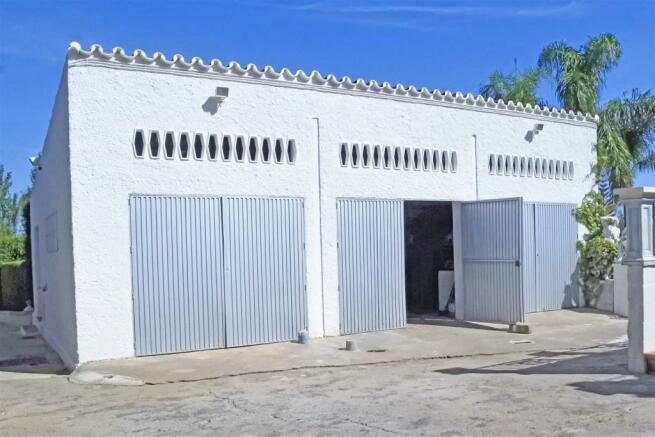 F3014231 - Garage