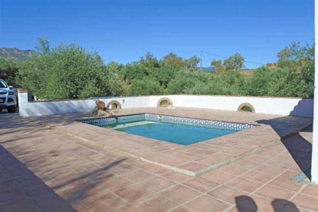 F2955875 - Pool