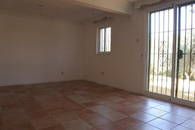 F2955875 - Bedroom 1