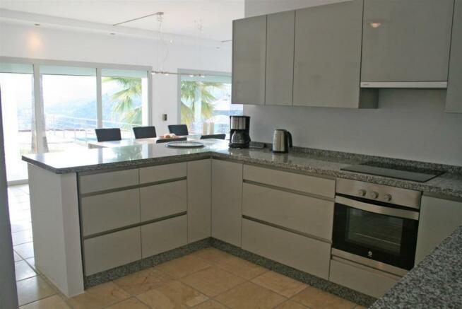 F3021959 - Kitchen