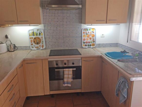 F2974787 - Kitchen