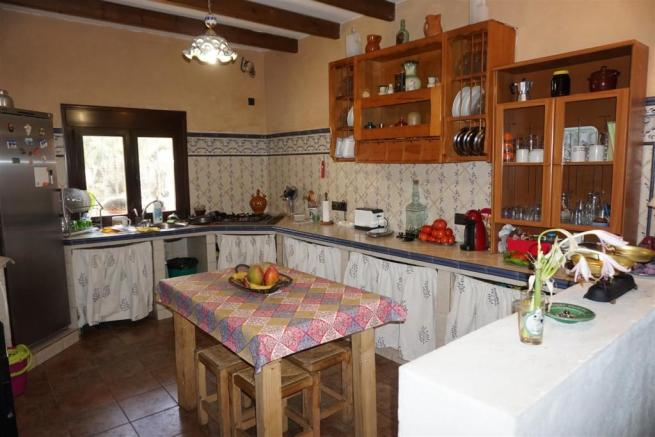 F3010424 - Kitchen