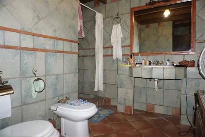 F3010424 - Bathroom
