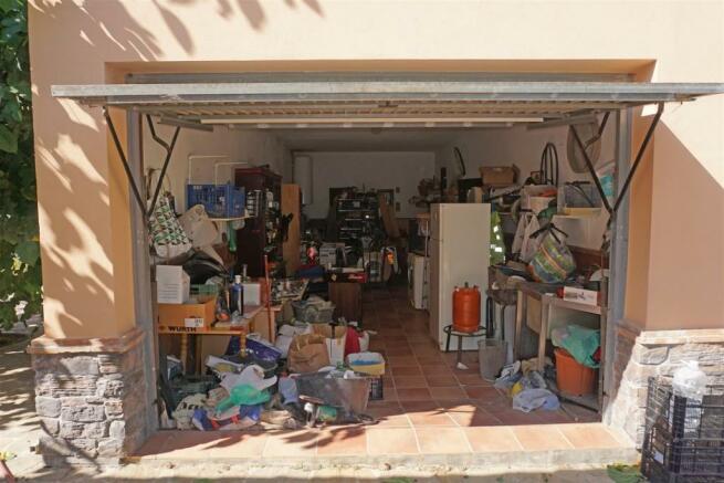 F3010424 - Garage