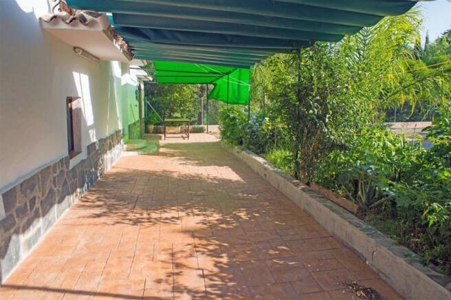 F2921711 - Terrace 2