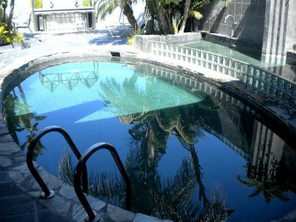 F2929448 - Pool 1
