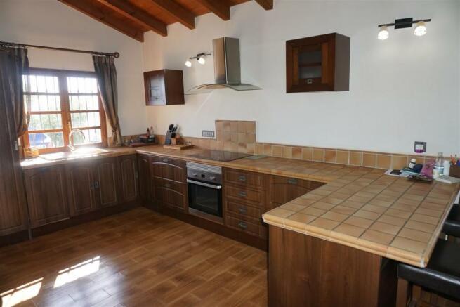 F2985551 - Kitchen