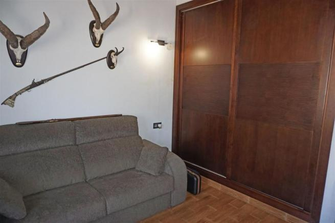F2985551 - Bedroom 2