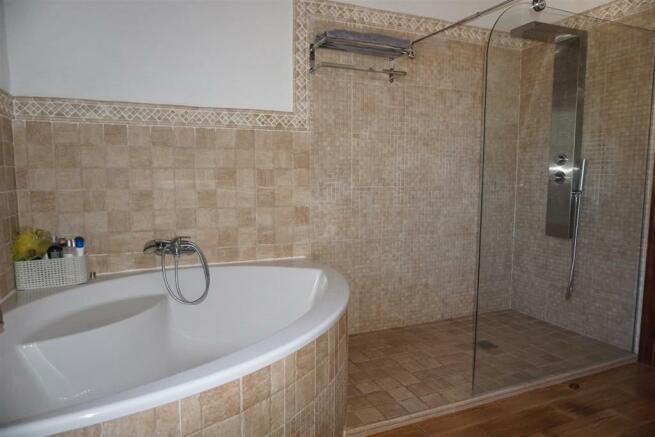 F2985551 - Bathroom