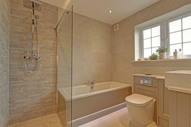 Sumptuous bath...