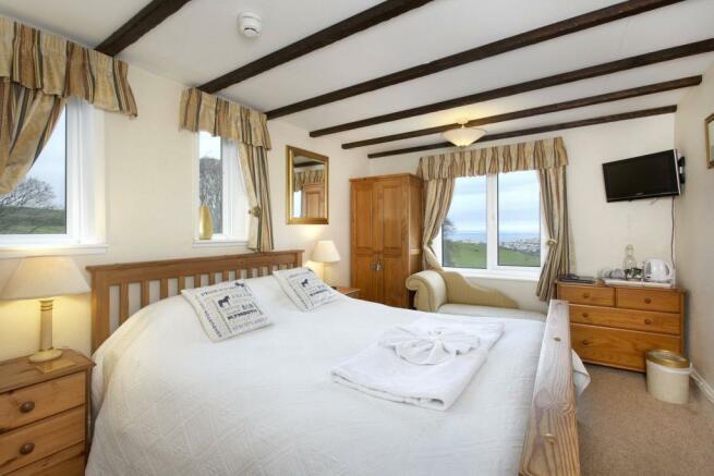 Dbl Bedroom (7)
