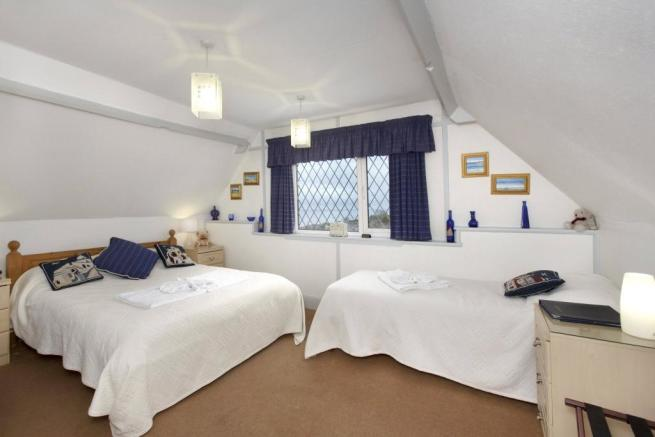 Family Bedroom (9)