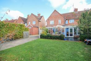 Photo of Mitchelmore Road, Yeovil, Somerset BEAUTIFUL FAMILY HOME, WALKING DISTANCE OF HOSPITAL & TOWN CENTRE