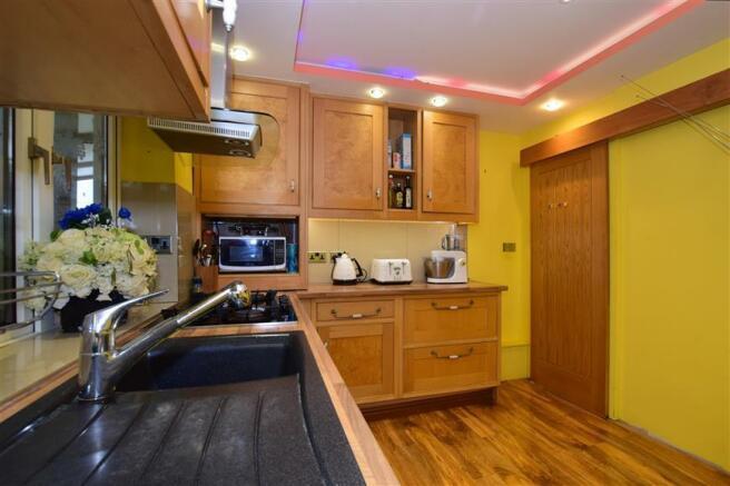Kitchen / Lounge