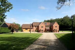 Photo of Wooburn Common Road, Wooburn Common, Buckinghamshire, HP10