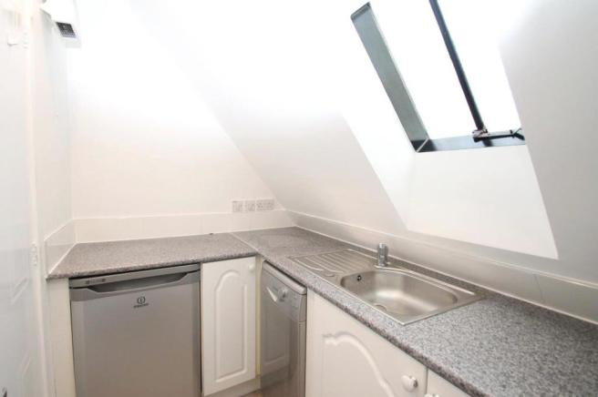 Kitchen (reverse angle)