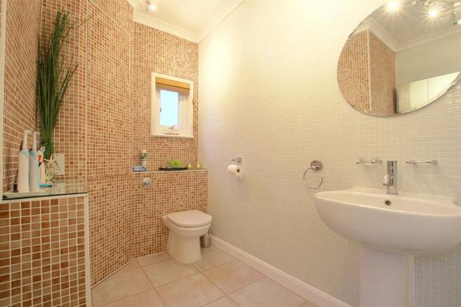 9a Seaford Road_ Bathroom2.jpg