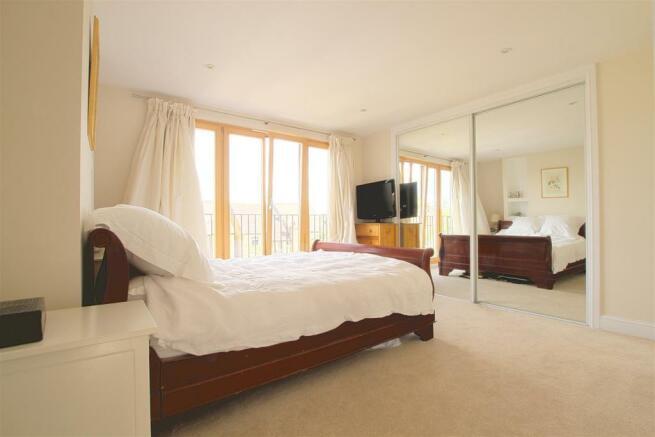 29 Dudley Gardens_ Bedroom2.jpg