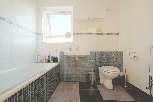 17 Kemsley Court_ Bathroom.jpg